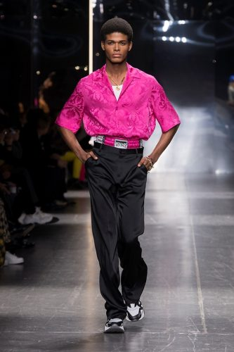 42_Versace-Mens-fw19-333x500.jpg