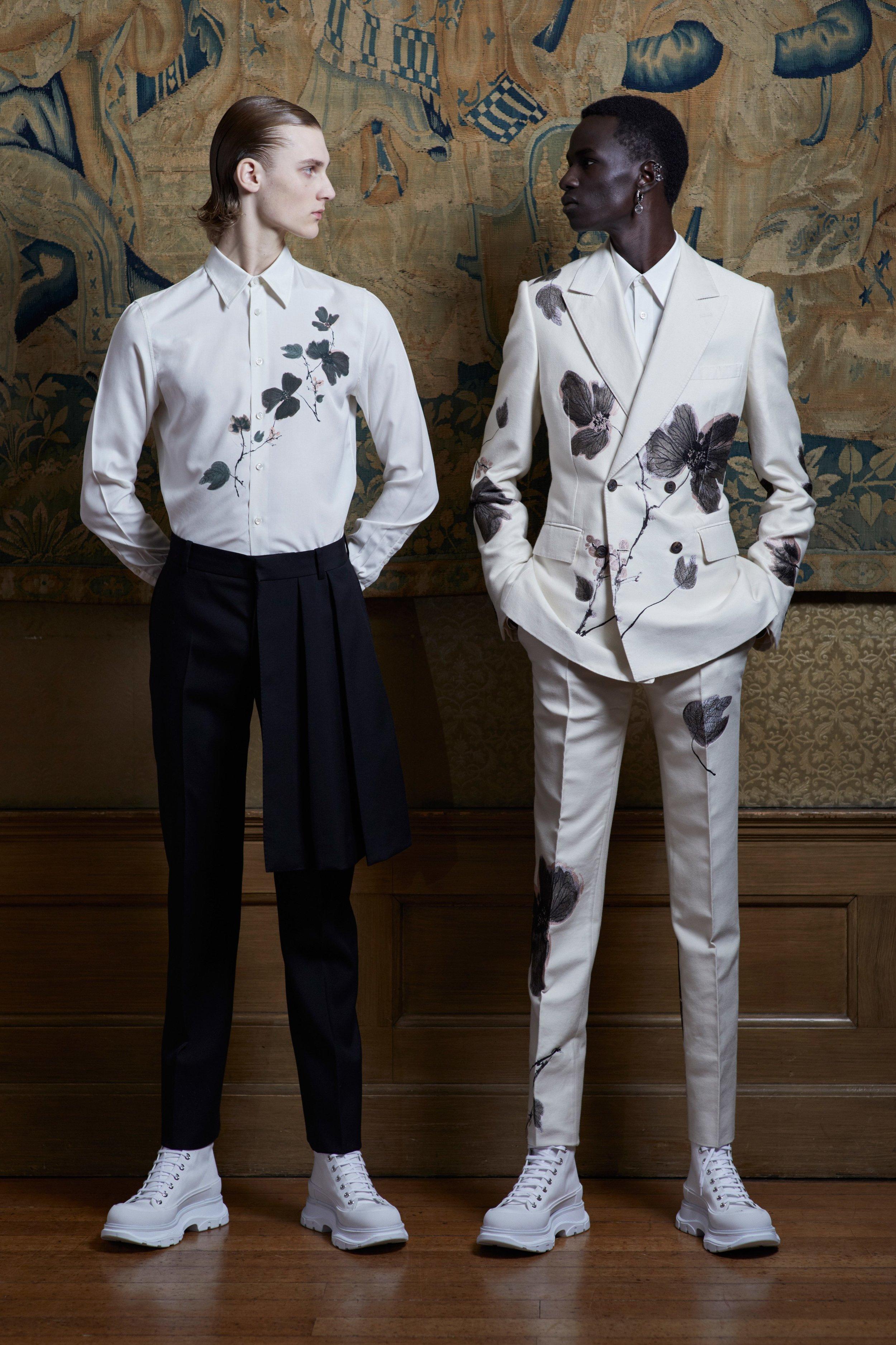 00002-alexander-mcqueen-menswear-spring-20-credit-Ethan-James-Green.jpg