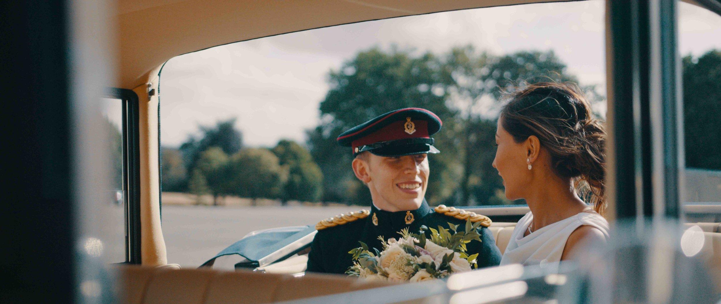 + 495€ | Vidéografo extra - Para bodas grandes, un camarógrafo adicional puede ser la mejor opción para asegurarse de que se capture cada momento.