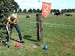 VORSTERGOLF - Boerengolf, 12 holes op de weilanden rondom de boerderij 'Vorster, alleen volgens afspraak.