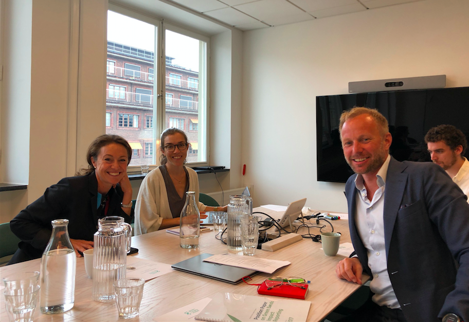 Photo: Anna Denell, Sustainability Director Vasakronan, Anna Bellander, Stockholm Green Digital Finance, Harald Lund, Head of second opinion CICERO and Gus Botsford, Chromaway defining impact reporting in the Green Assets Wallet.