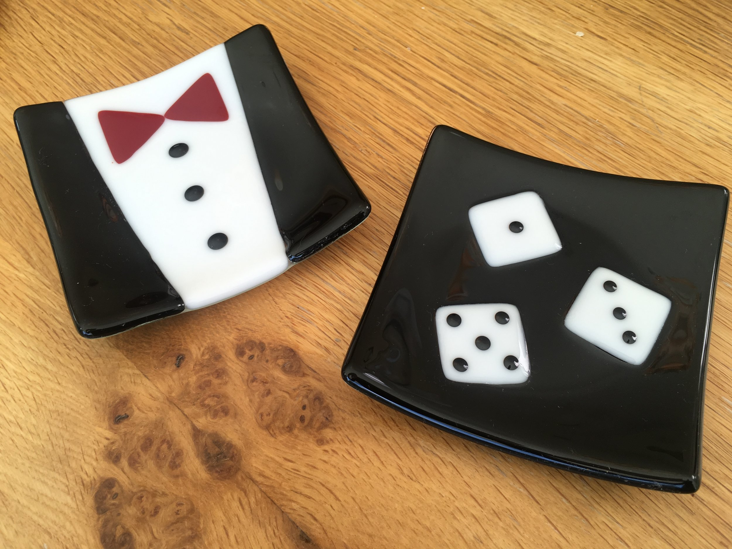 Dinner jacket and small dice