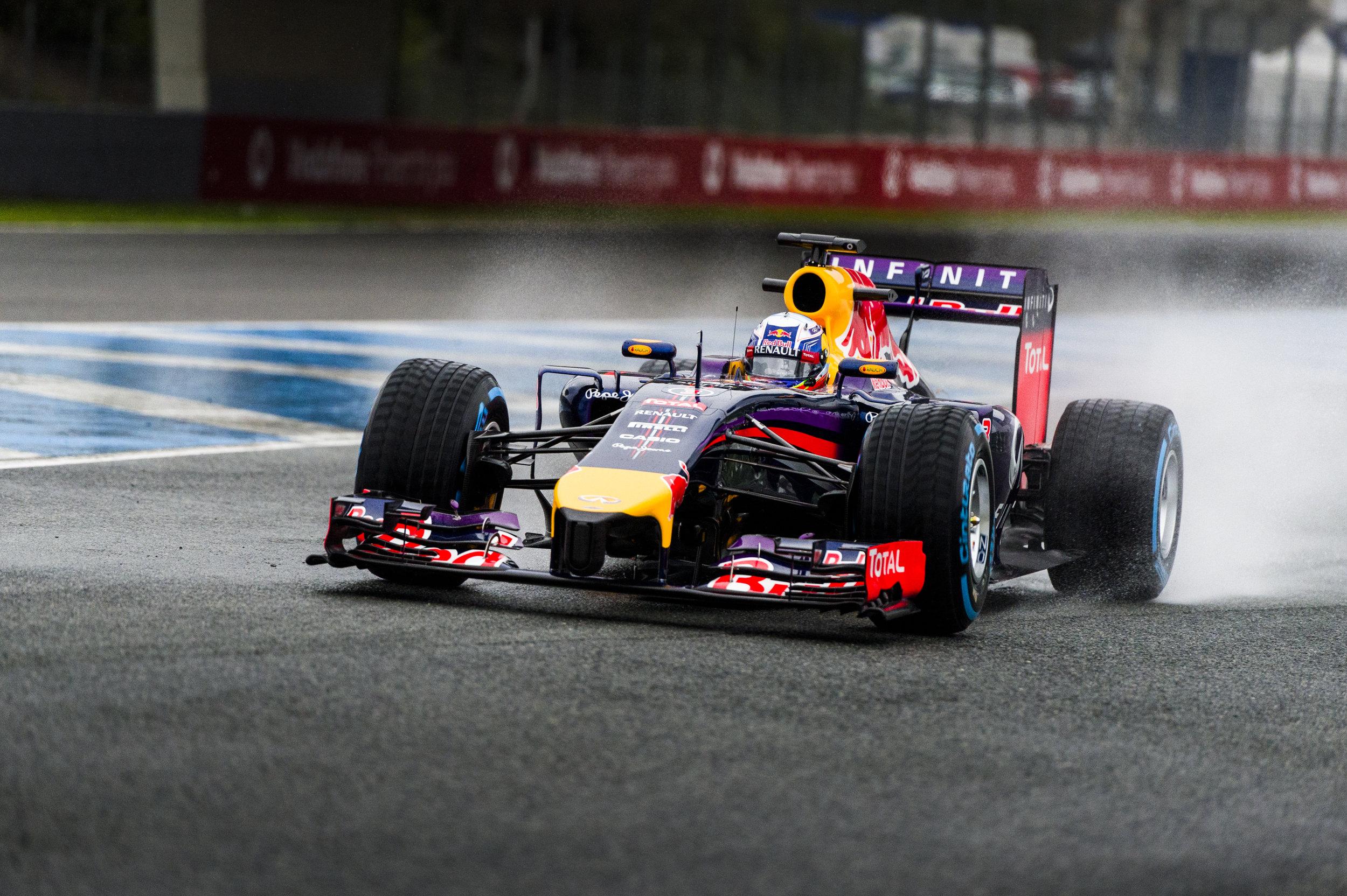 Ricciardo, Red Bull-Renault, 1-45.374, 7 laps. (1 of 1).jpg