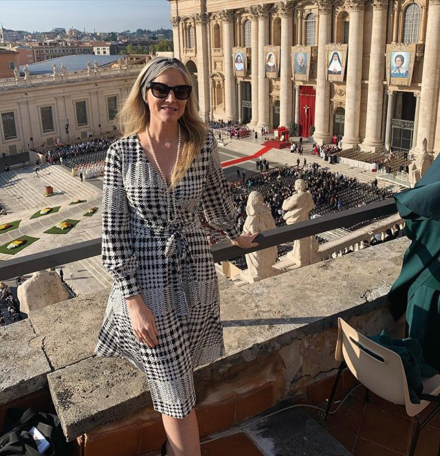 Wow! This view from the Terrazza Ufficio Celebrazioni Pontificie to see five new Saints canonized by Pope Francis at Sunday morning Mass in St. Peter's Square. Prince Charles was seated just over my left shoulder. He came to see British Cardinal Newman declared a saint. I wore British designer @richardallanlondon in honor of the occasion! ✨ More in Stories ✨ Cardinal John Henry Newman - from Anglican priest to Catholic Cardinal; Giuseppina Vannini - from orphan to caring for the sick; Mariam Thresia Chiaramel Mankidiyan - from silent mystic to apostle of the family; Dulce Lopes Pontes - from serving the sick to Nobel nominee; Marquerite Bays - from everyday service to carrying the stigmata #piazzasanpietro #saints #catholicchurch #canonization