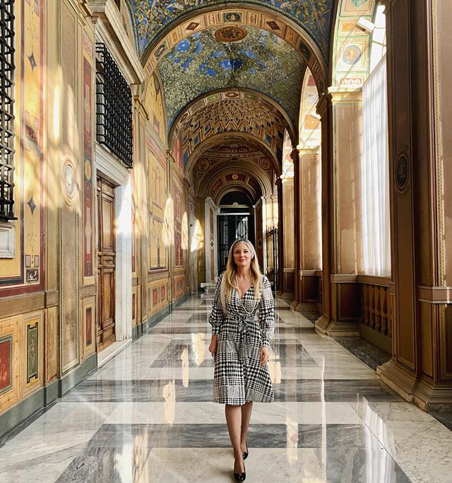Drinking in the beauty of these hallowed halls! ✨ The 'Prima Loggia' is 65 meters long, originally frescoed by Raphael (c.1517) and completely repainted by Alessandro Mantovani in the second half of the 19th century. The Loggia overlooks the Courtyard of San Damaso ✨ #vaticano #raphael #sacredart