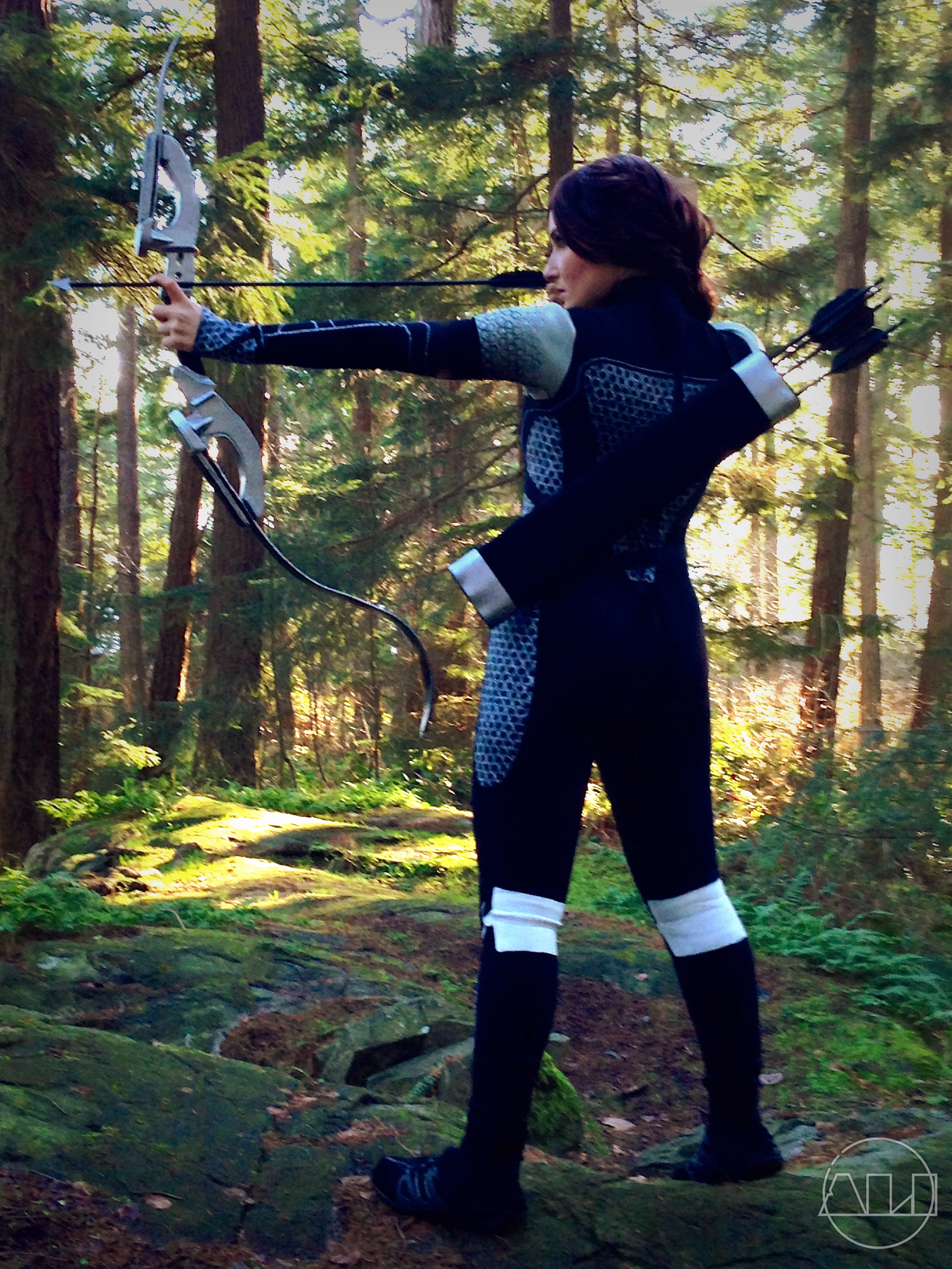 ÁLI as Katniss - back profile.JPG