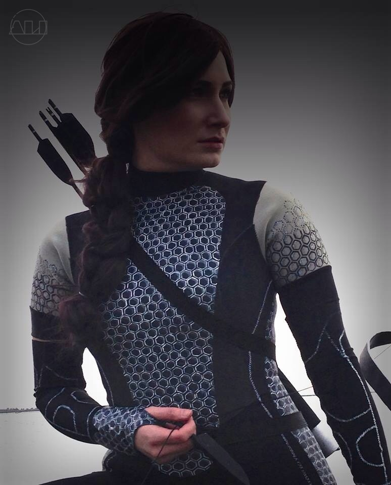 ÁLI as Katniss - Torso.JPG