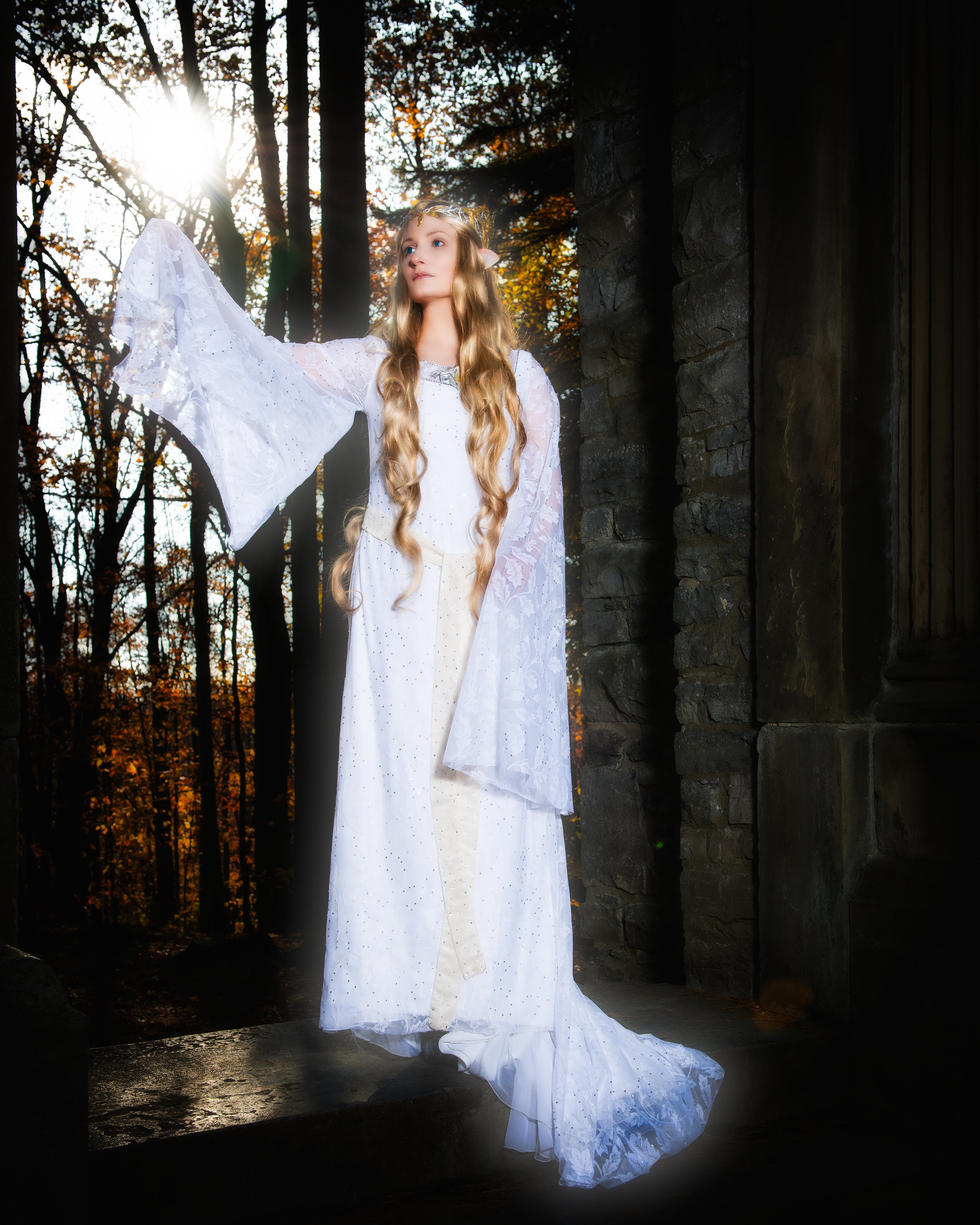 ÁLI as Galadriel - sun full length.jpg