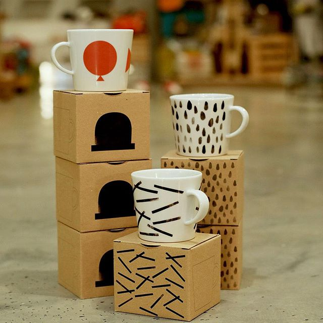 Are you a regular coffee drinker? If so, you can never have too many mugs with this creative and quirky collection. Drop by our concept store and choose your favorite at #Centriamall.  هل أنت من عشاق القهوة؟ إذا رغبت بإضافة بعض الأكواب على مجموعتك، مر على متجرنا في سنتريا مول واختر المفضل لديك.