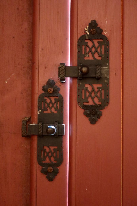 Door, Chateau du Cadillac.jpg