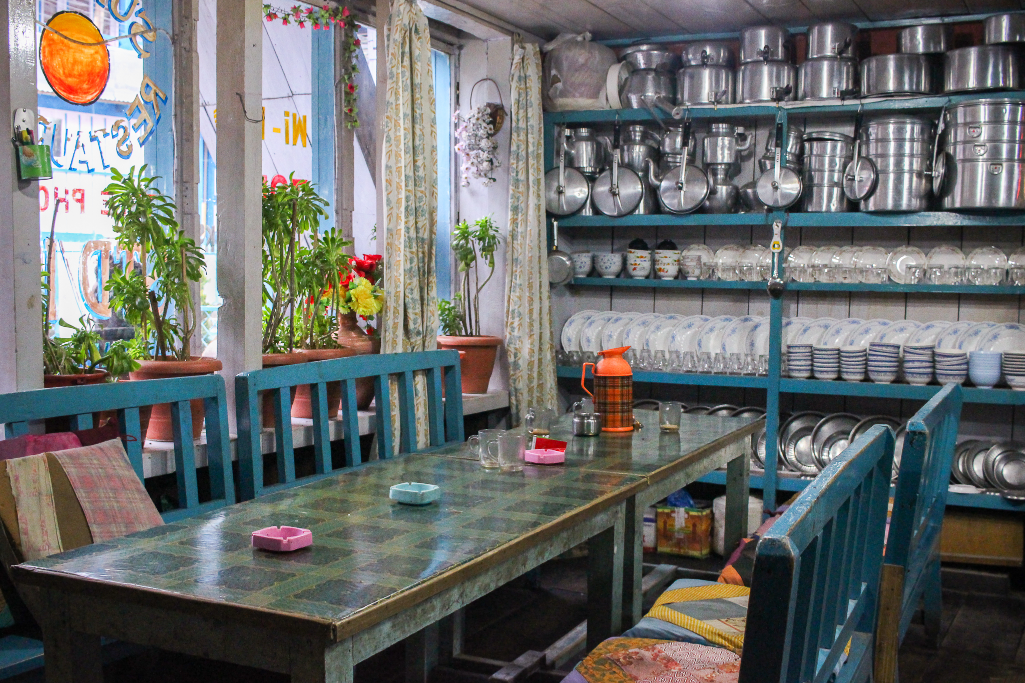 A colourful teahouse in Chame with perfectly displayed crockery