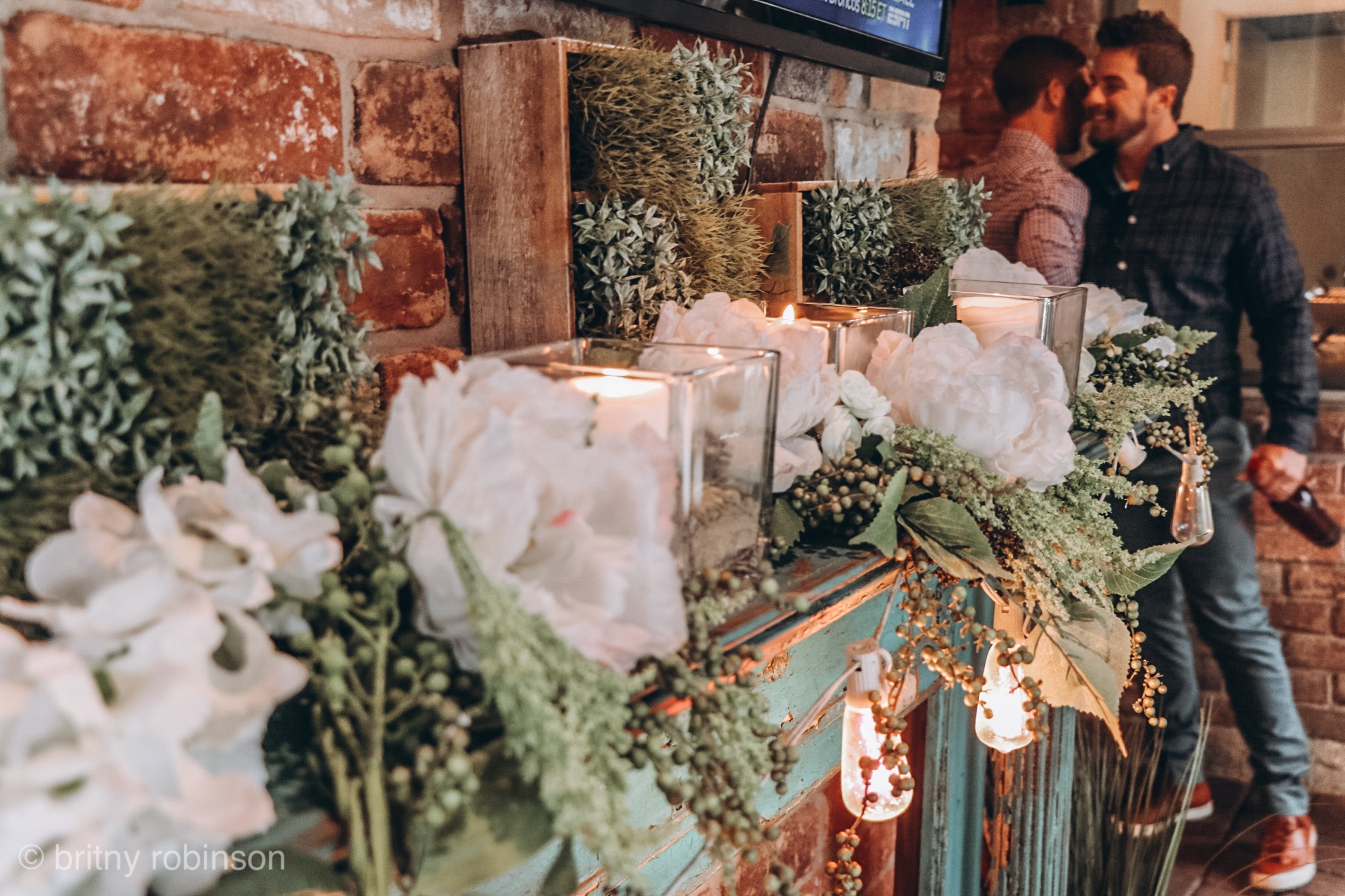 how to decorate for an engagement party