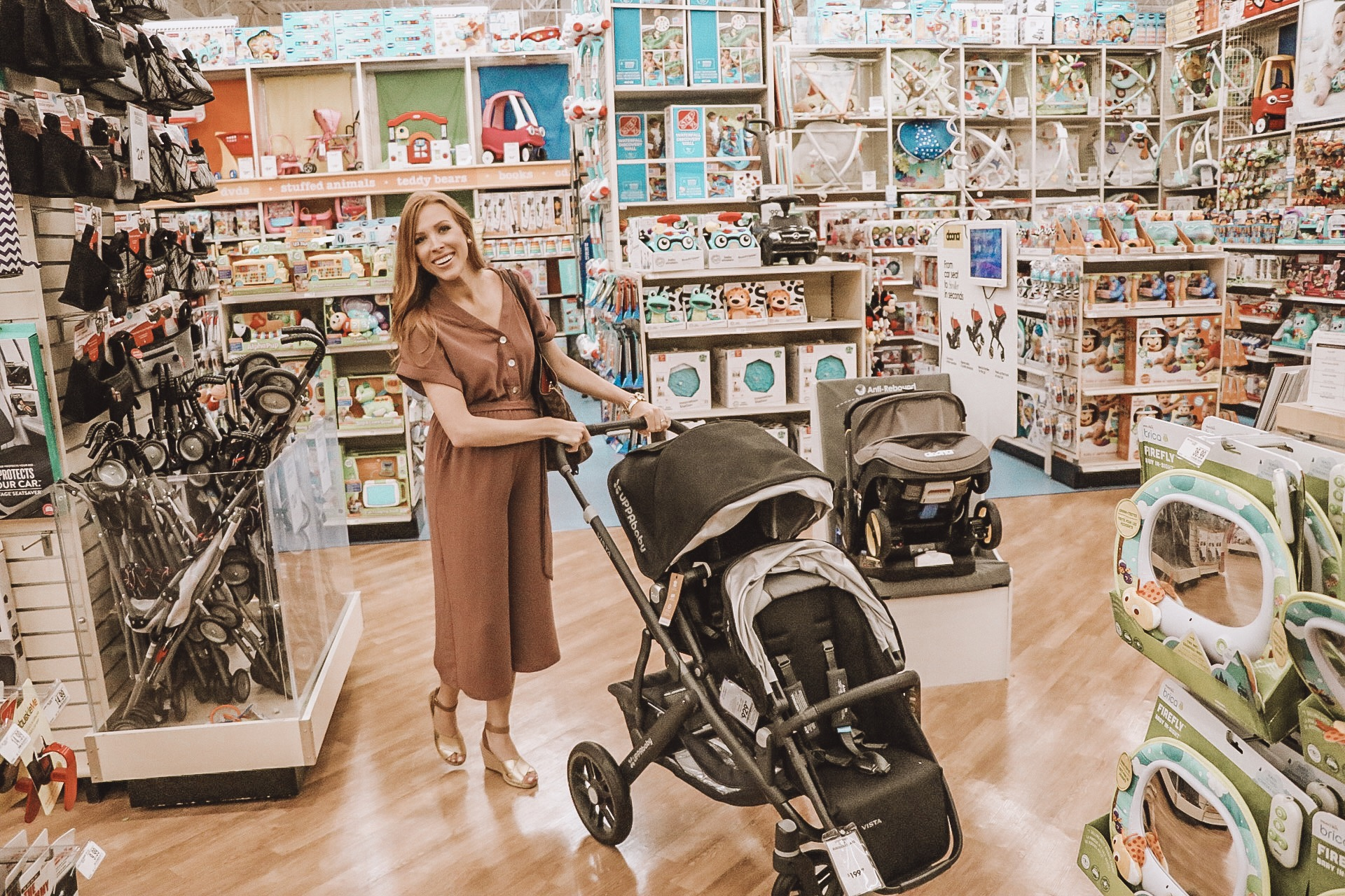 Buy Buy Baby: The Ultimate Place to Build Your Baby Registry