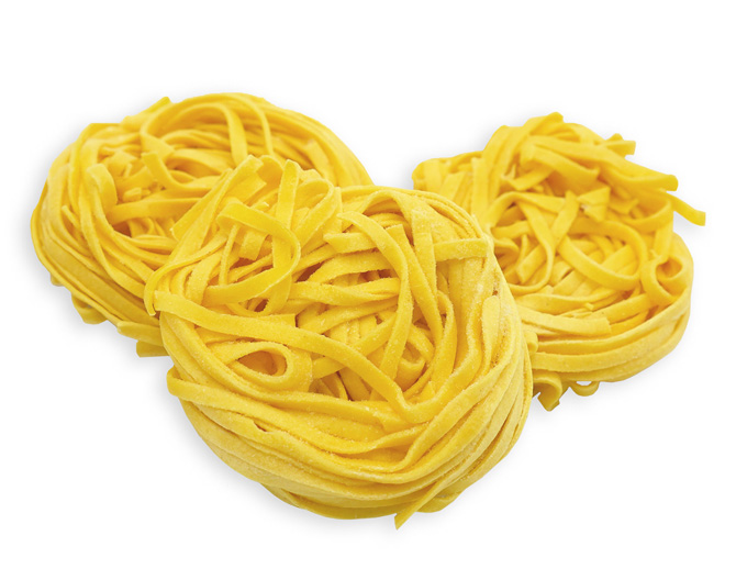 EGG LINGUINE - These IQF, whole egg pasta nests are pre-cooked, so preparation is fast and easy (just 2 minutes in boiling water). Classic Italian Linguine are long, thick-cut pasta, similar in shape to Tagliatelle, though smaller in width. This is a classic and versatile cut with an endless array of applications.Item 02296 // Case Pack: 1/3 Kg // Case Net Wt: 6.6 lbs // Product of Italy // MORE INFO