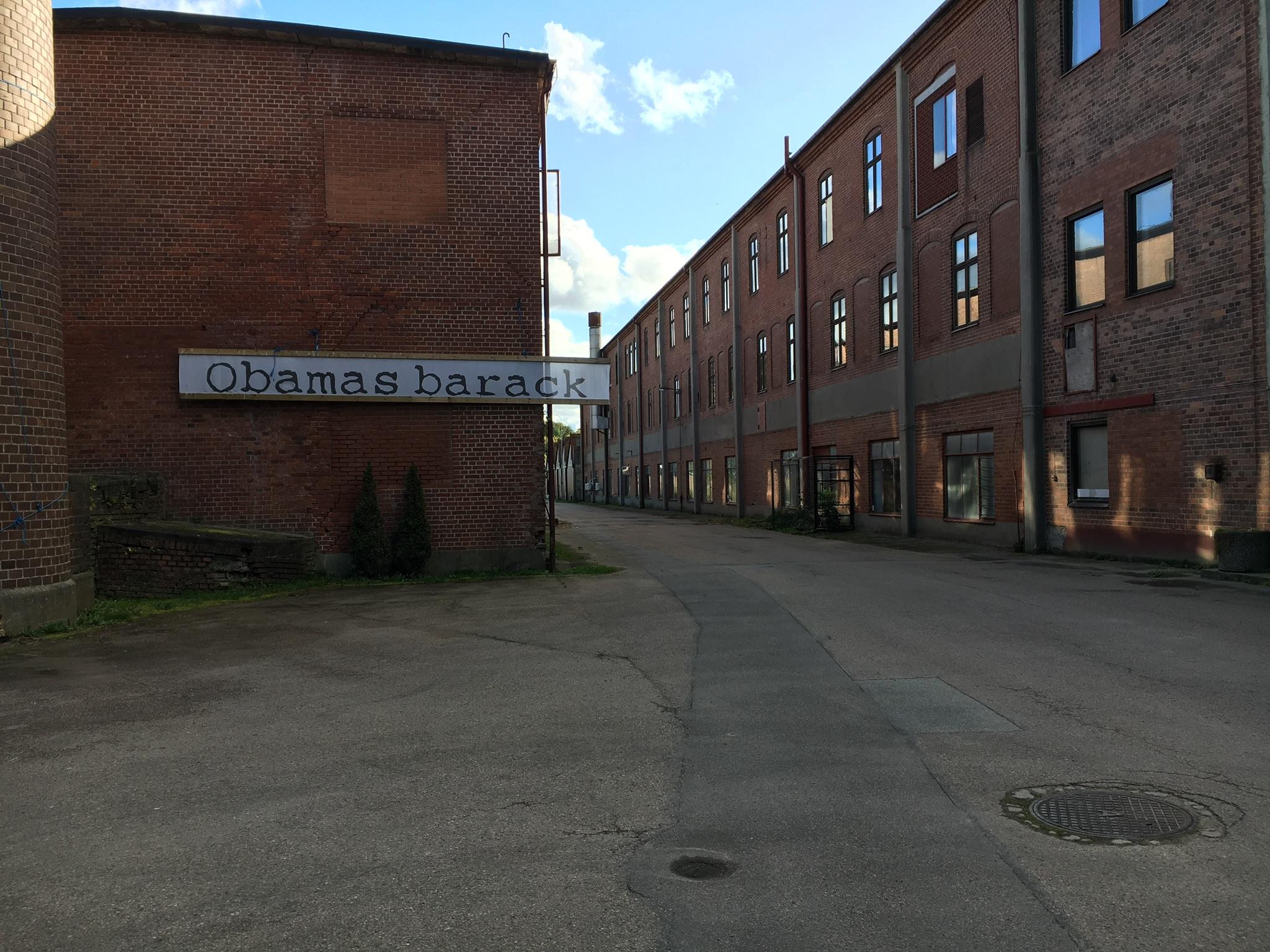 RÖSTÅNGA MÖLLA - Det ni ser på bilden är Röstånga Mölla's nya hem, nämligen Marieholms gamla yllefabrik. Röstånga Mölla startades av Rickard Forshufvud -en agronom, spannmålsodlare och bagare, som idag är mångsysslare och har flera pågående projekt. Marieholms Yllefabrik ska bli ett återförbrukscentrum.