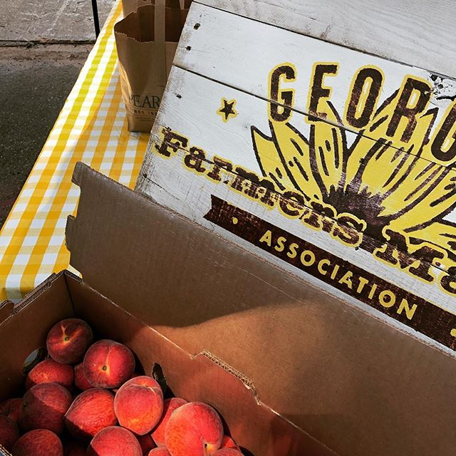 The peaches are a hit @kirkwoodfling! If you're here, stop by and say hi. If you aren't, come on over! #mygeorgiamarket #justfood