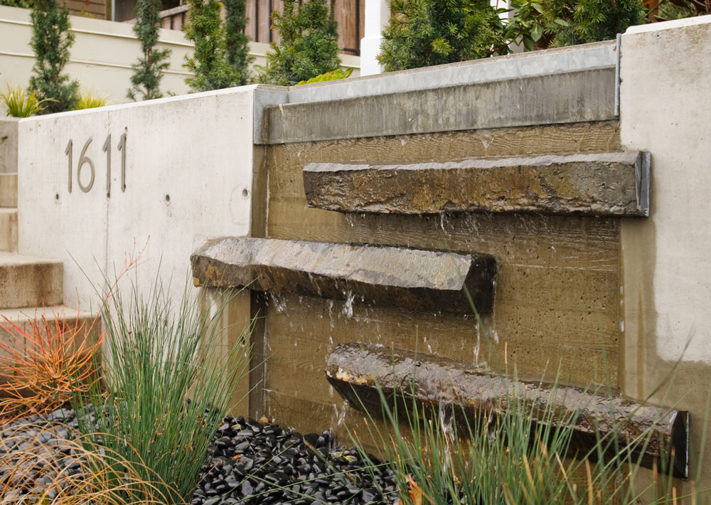 Fountain/Water Feature