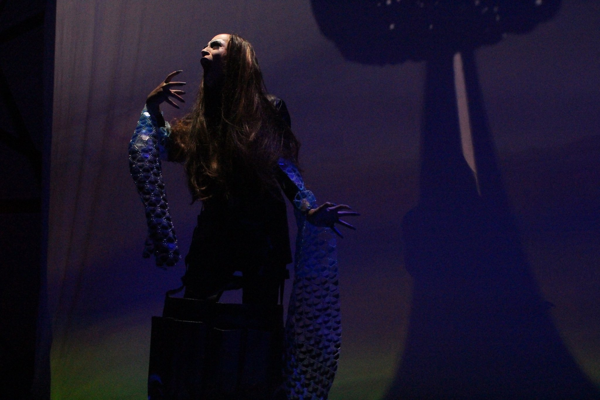 Seen: Sasha Velour's Nightgowns - November 2017 Piece: Long Sleeve Liquid Top Performer: Untitled Queen Music: Christ Garneau - Black & Blue Venue: National Sawdust