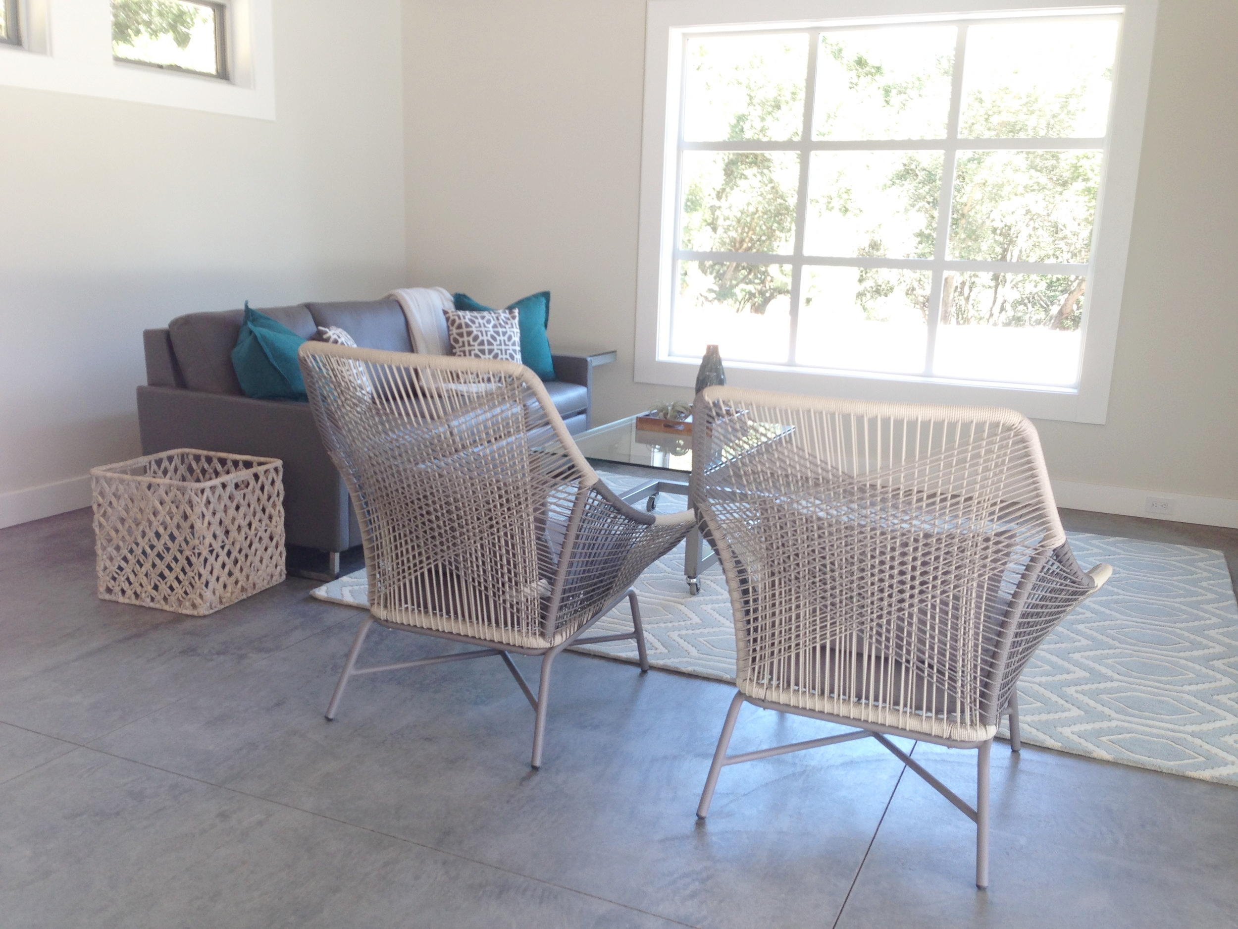 WESTON POOL HOUSE SITTING AREA.jpg