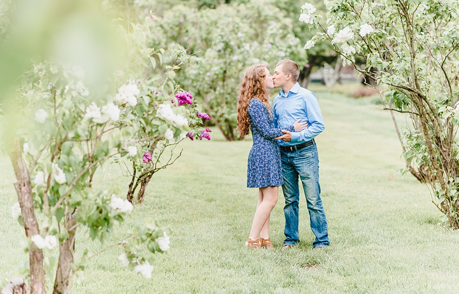Engagement session at Holcomb Gardens Butler University in Indianapolis, Indiana_0553.jpg