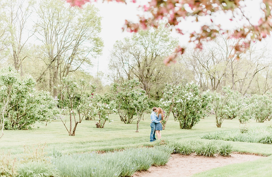 Engagement session at Holcomb Gardens Butler University in Indianapolis, Indiana_0555.jpg
