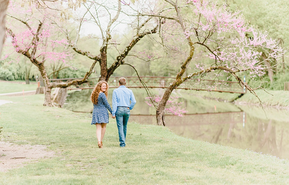 Engagement session at Holcomb Gardens Butler University in Indianapolis, Indiana_0557.jpg