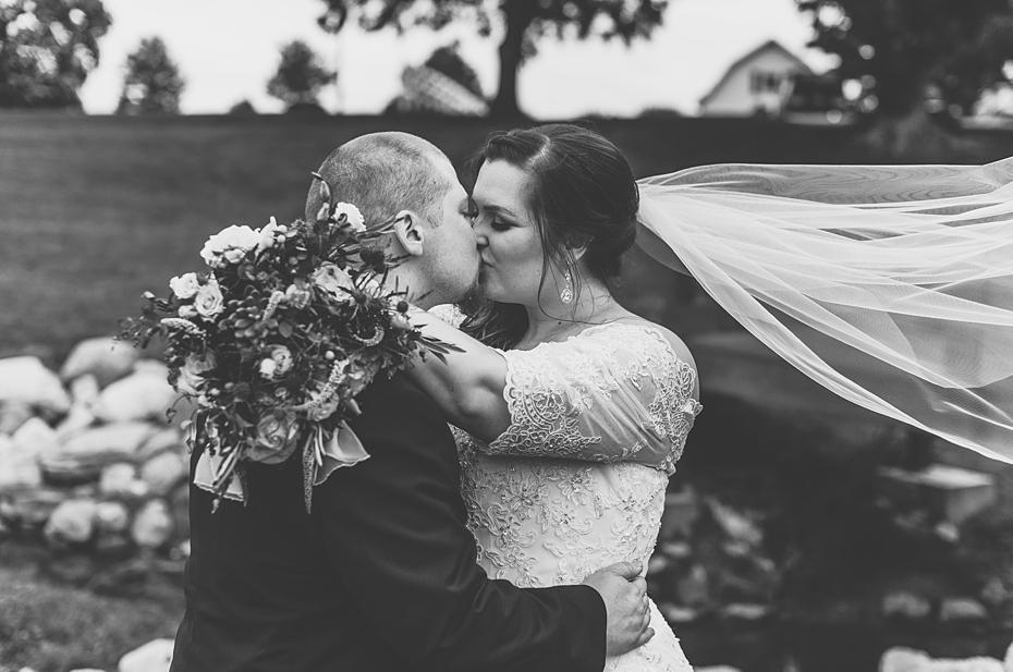 Wedding Day in Indianapolis Indiana_1299.jpg