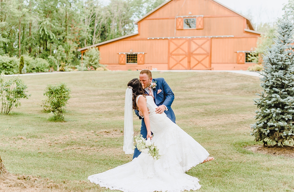 Wedding day at Hidden Hollow Farms in Crawfordsville Indiana_1519.jpg