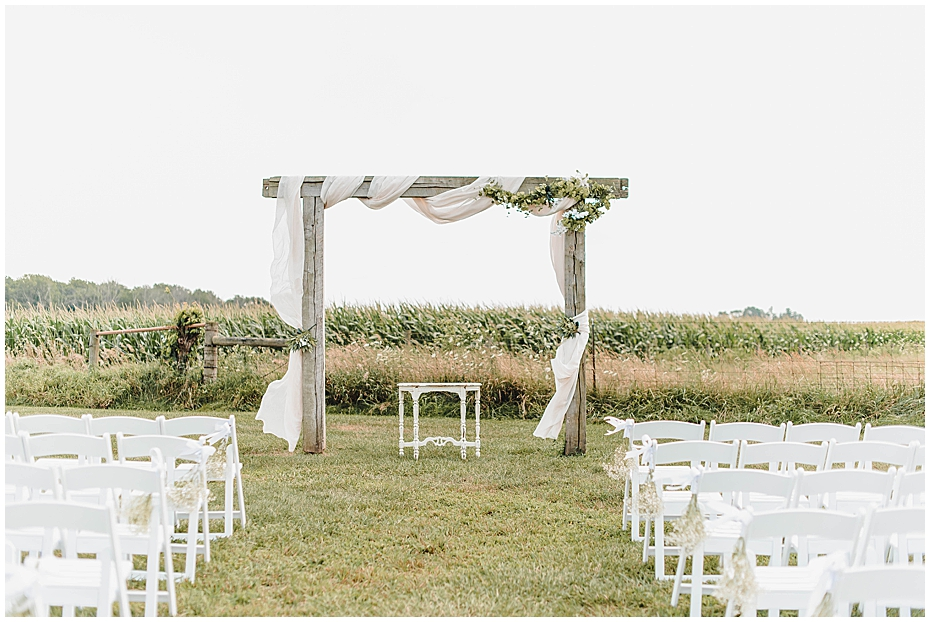 Wedding Day at JLH Wedding Barn in Jamestown Indiana_0281.jpg