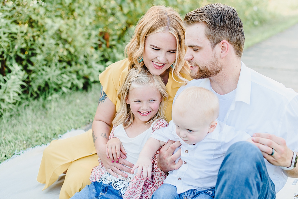 Extended Family Photo Session in Lafayette Indiana_1795.jpg