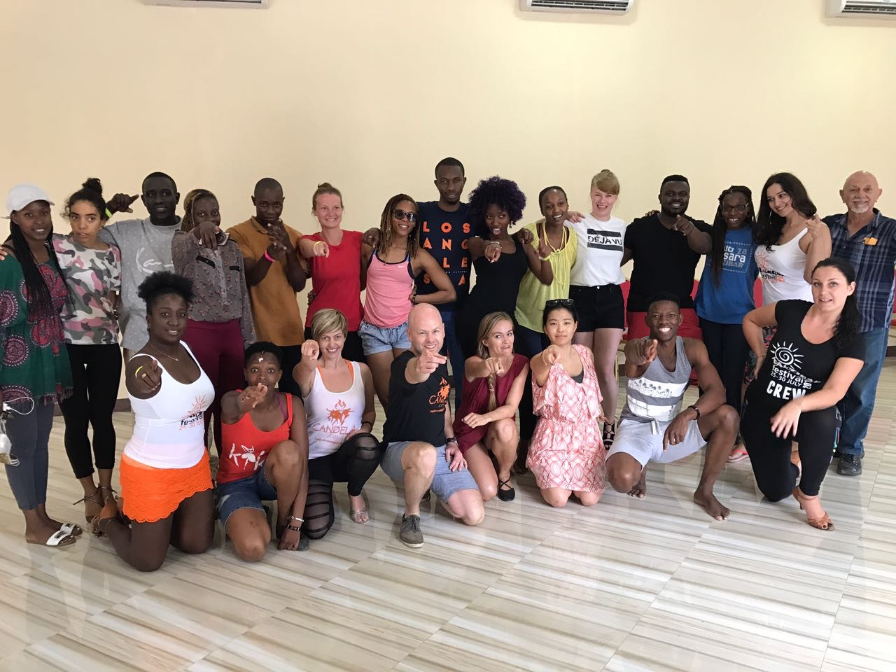 Salsa lead & follow workshop class photo - Candela Jozi & Susanna Sandell