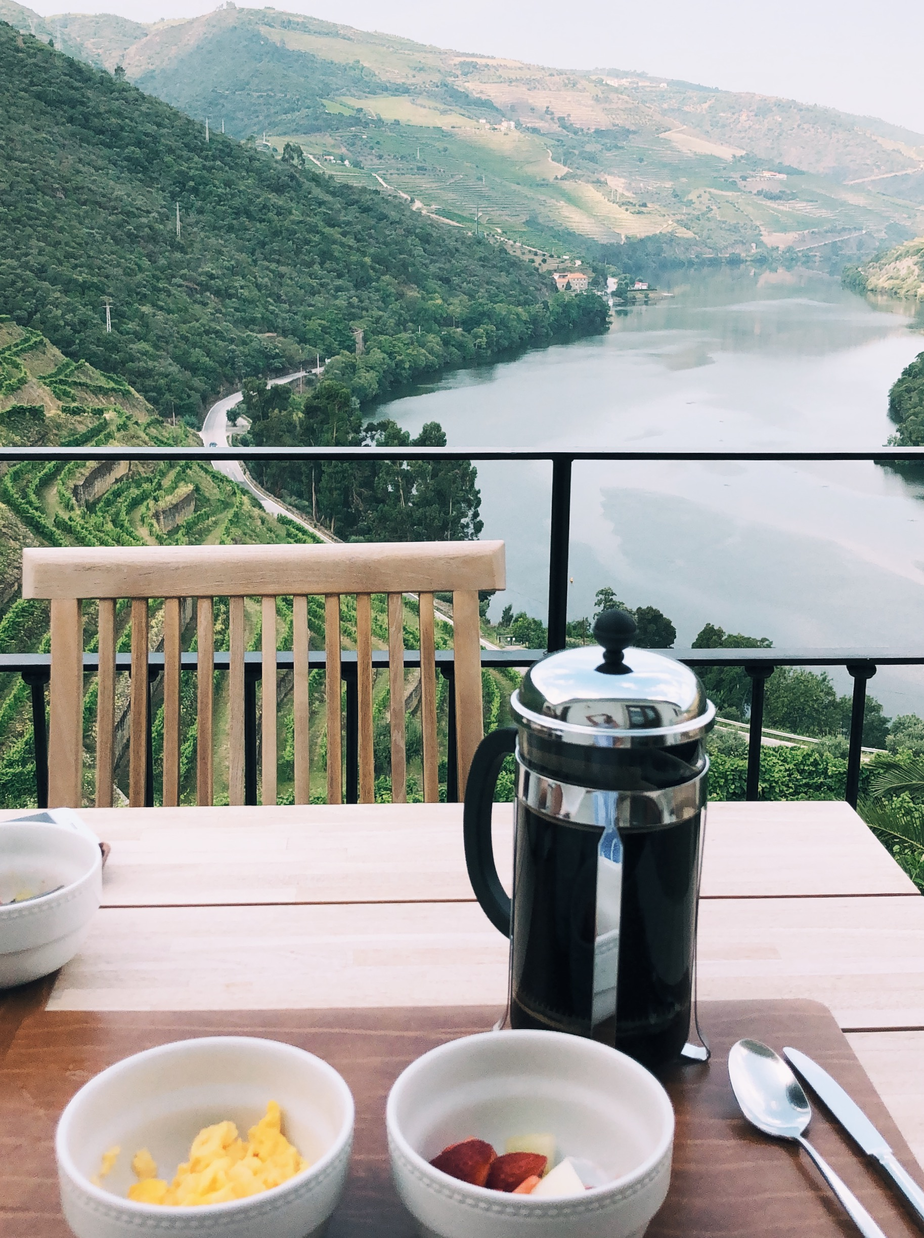 Quinta do Pego breakfast and French press coffee on the terrace