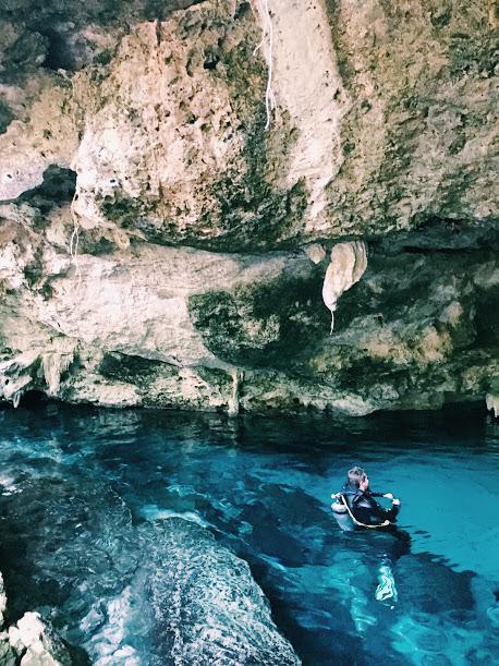 diving Dos Ojos Cenotes with MexiDiver