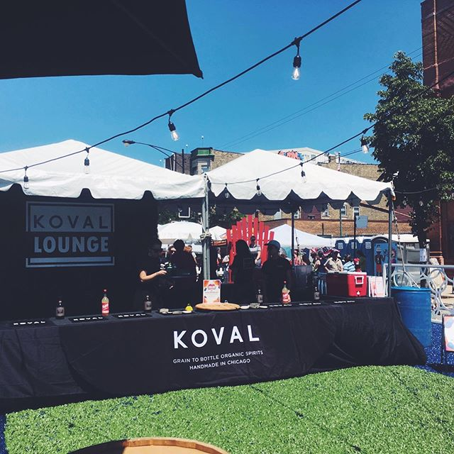 Loved working with @kovaldistillery , @starevents and @ivancarlsoneventdesign on the #EdgeFest KOVAL Lounge! If you live in Chicago, come by tomorrow from 12pm-9pm to buy the signature Bloodhound cocktail. The KOVAL Lounge is open to everyone 21+ 🤗🍹 #events #shoplocal #shopedgewater #choosechicago #event #chicagoevents #community #edgewater #enjoyillinois #eventprofs #eventprof #communityevent #eventplanning #chicago #Summer #festival #womenwhowork #girlboss #prettylittlethings #Events #eventplanner #eventstyling #eventdecor #corporateevents #meetingplanner