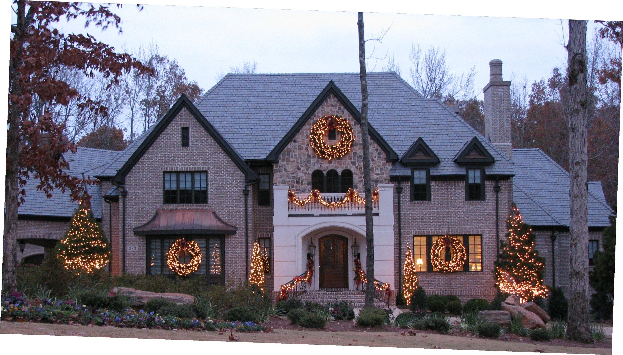 glitter and glow chrismas decor residential exterior (8).JPG