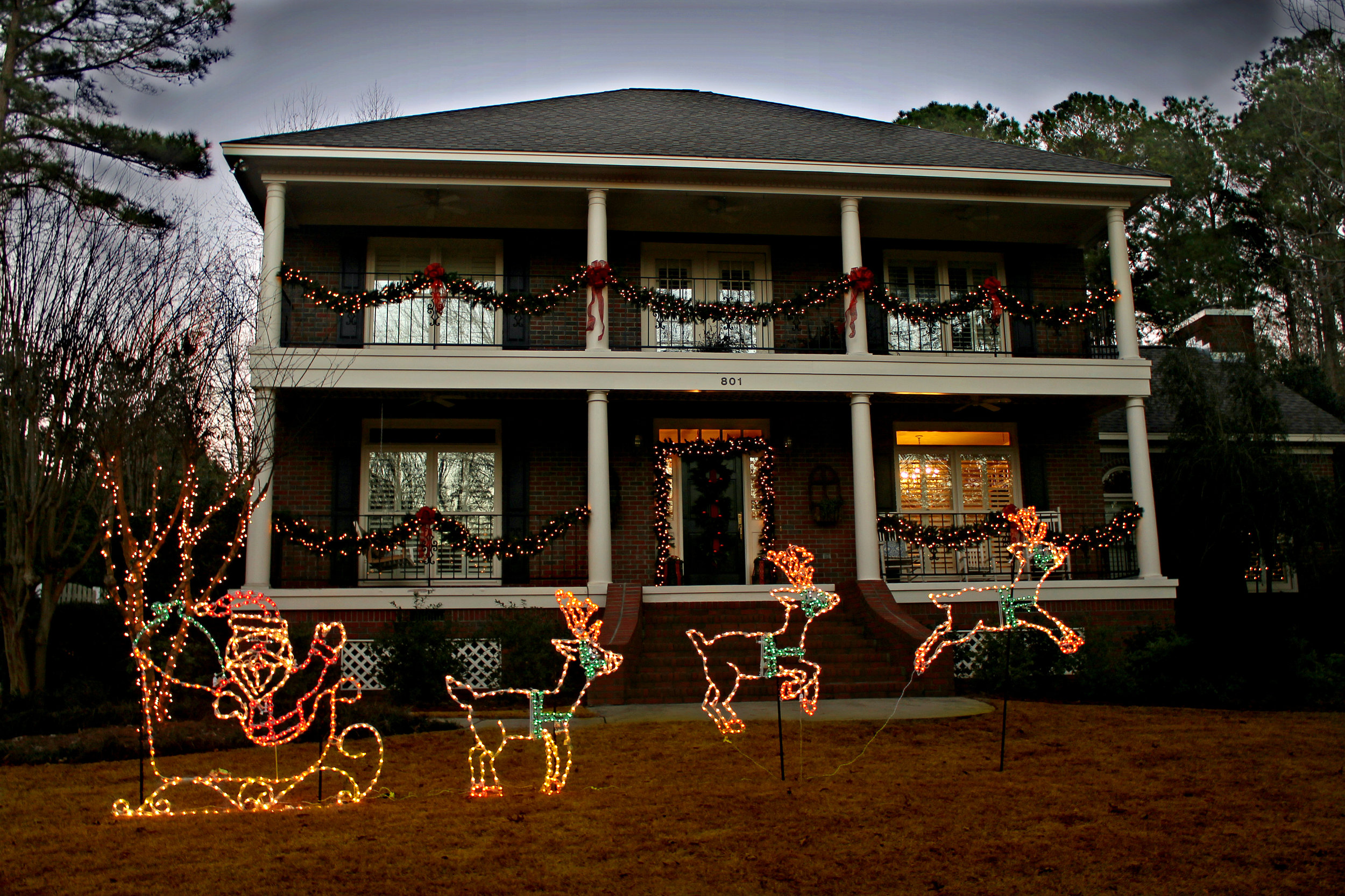 glitter and glow chrismas decor residential exterior (16).jpg