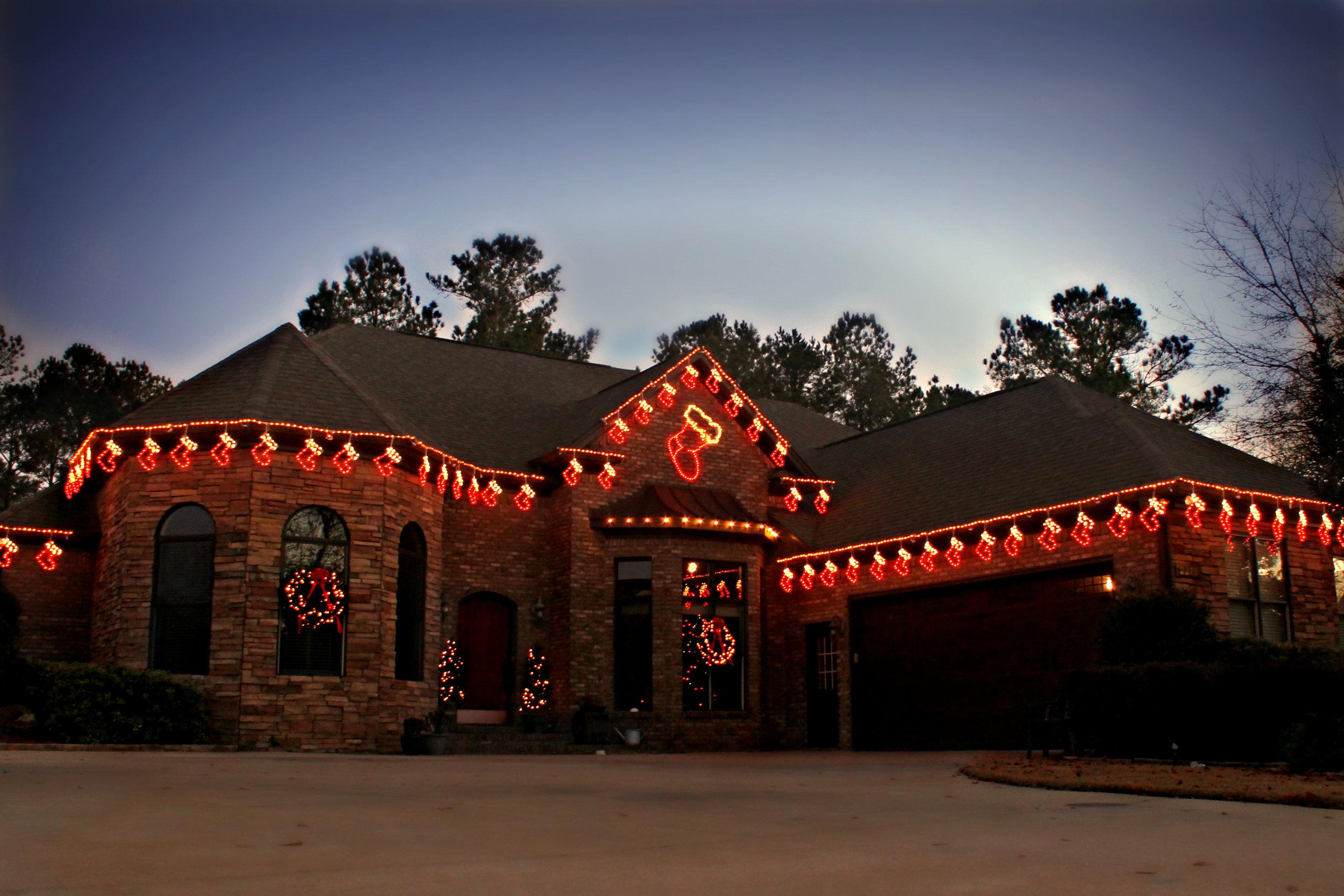 glitter and glow chrismas decor residential exterior (22).jpg