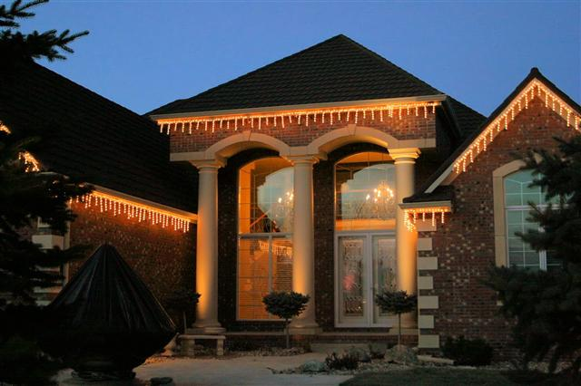 glitter and glow chrismas decor residential exterior (27).jpg