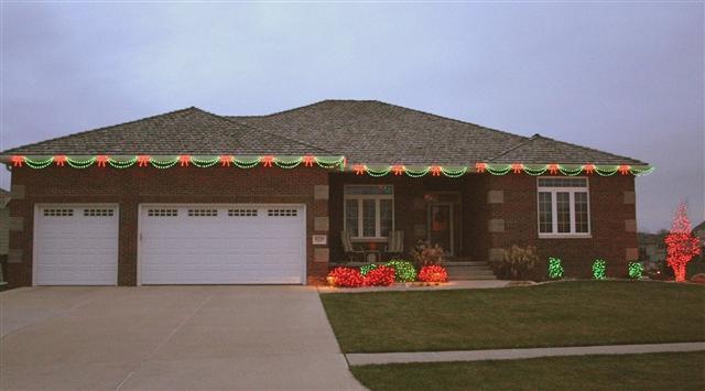 glitter and glow chrismas decor residential exterior (36).JPG