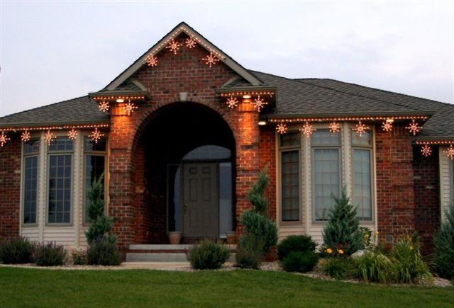 glitter and glow chrismas decor residential exterior (40).jpg