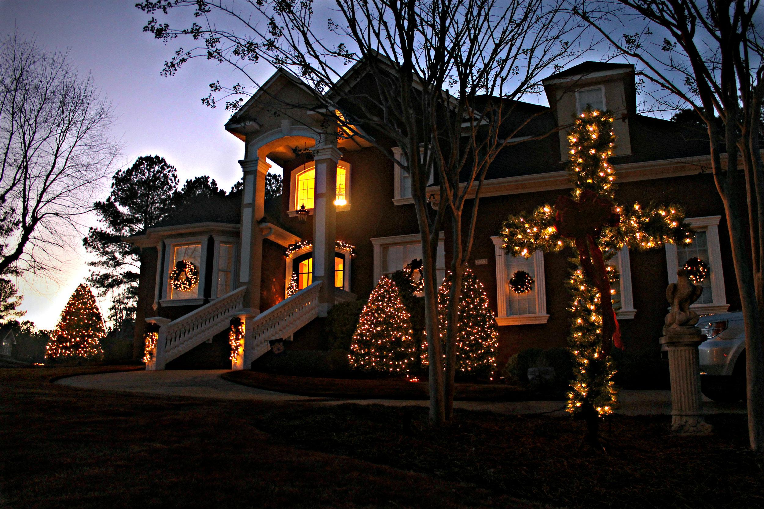 glitter and glow christmas lighting.jpg