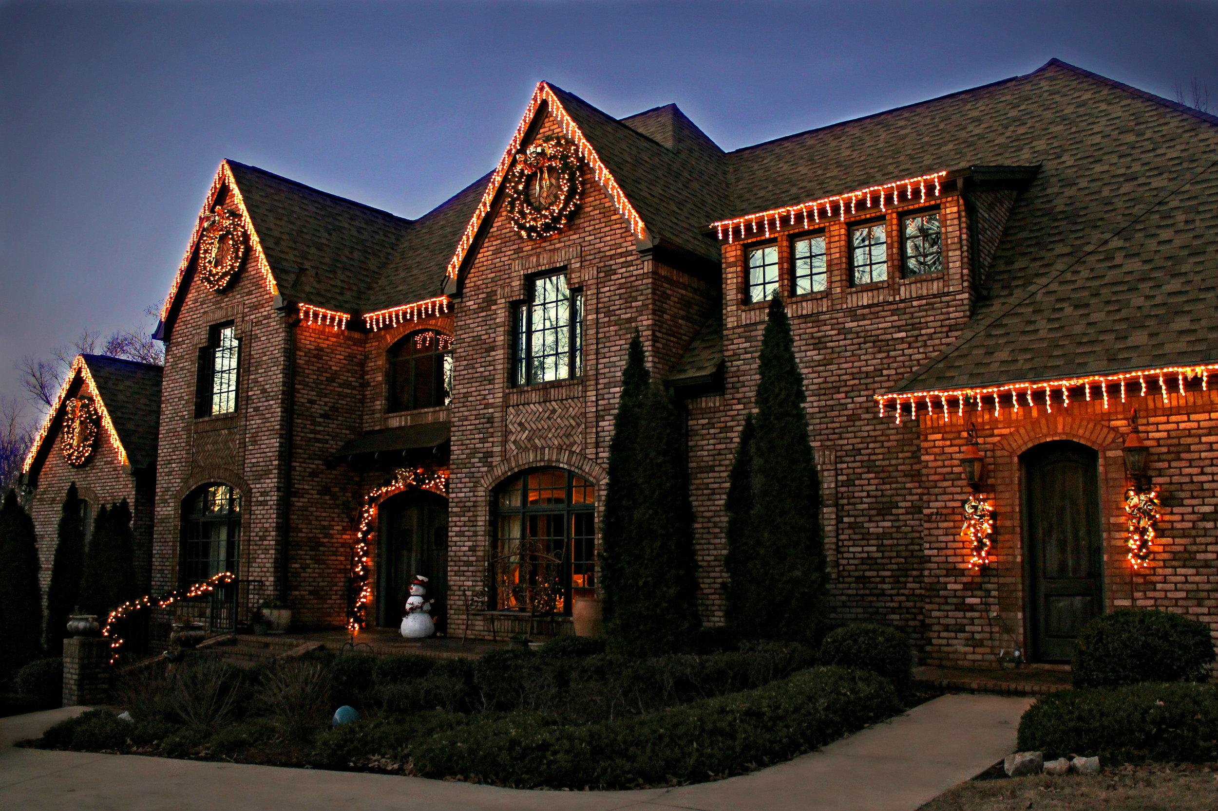 glitter and glow christmas decor lighting.jpg