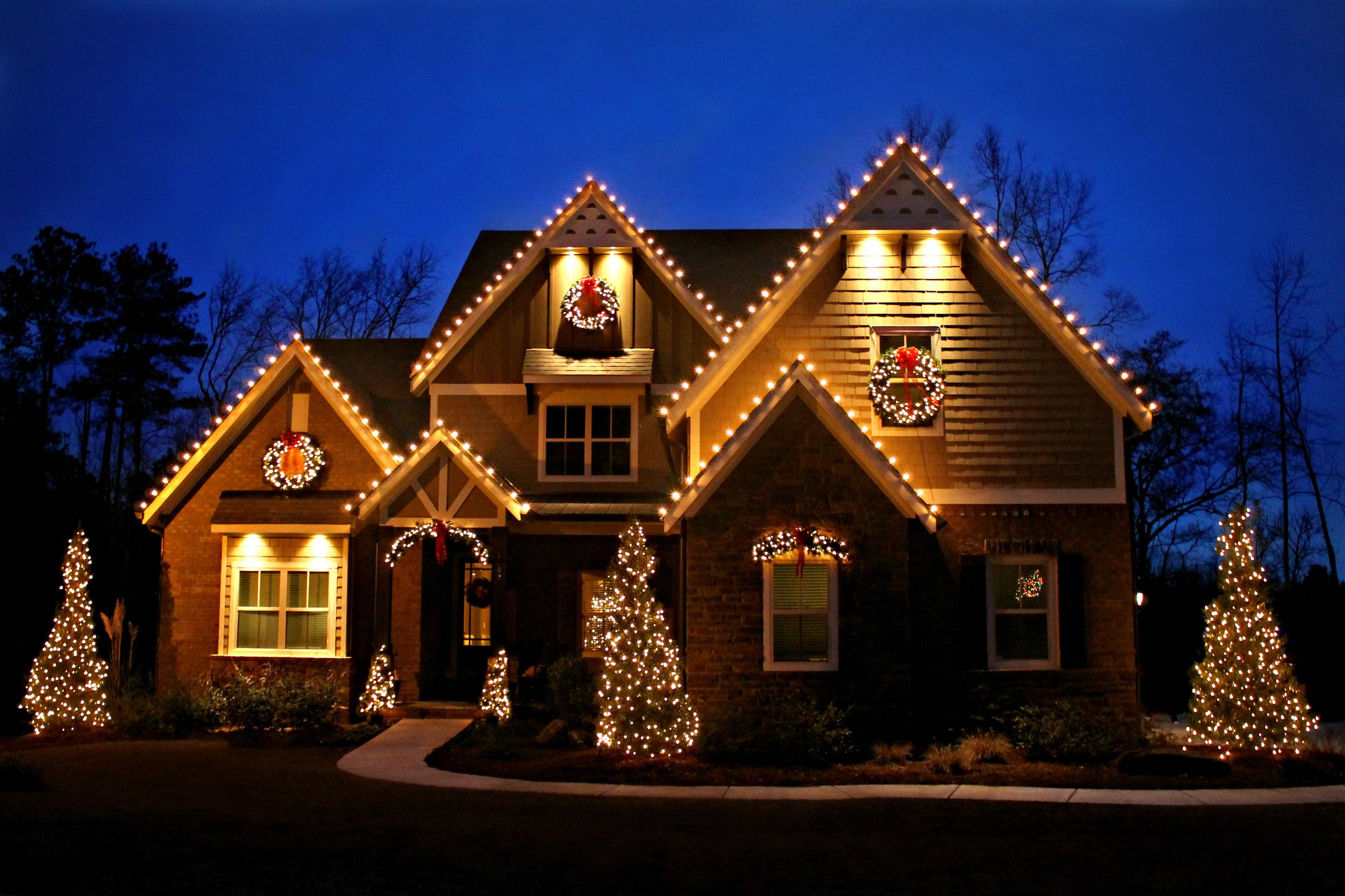 glitter and glow christmas decorating 3.jpg