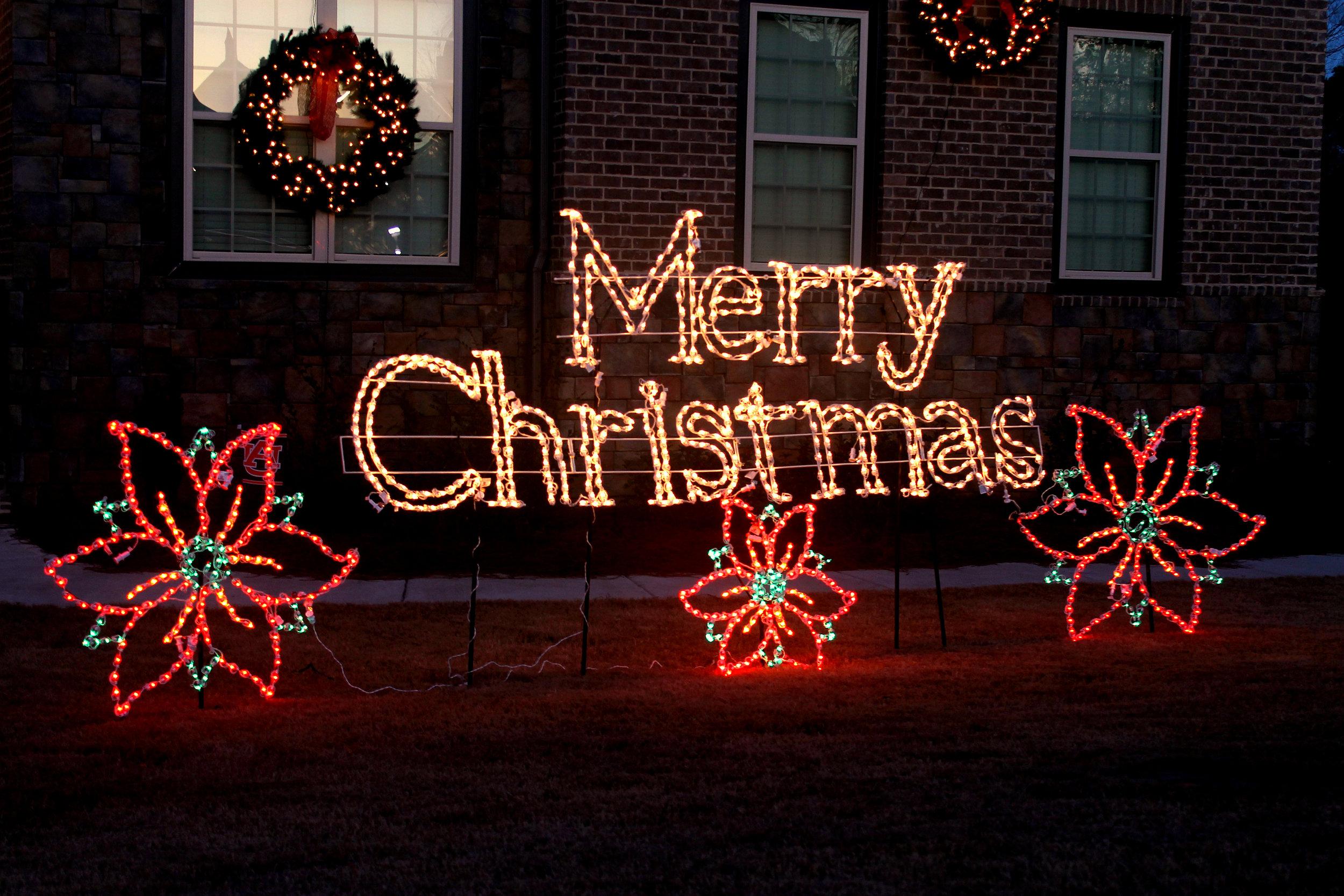glitter and glow chrismas decor residential exterior (20).jpg