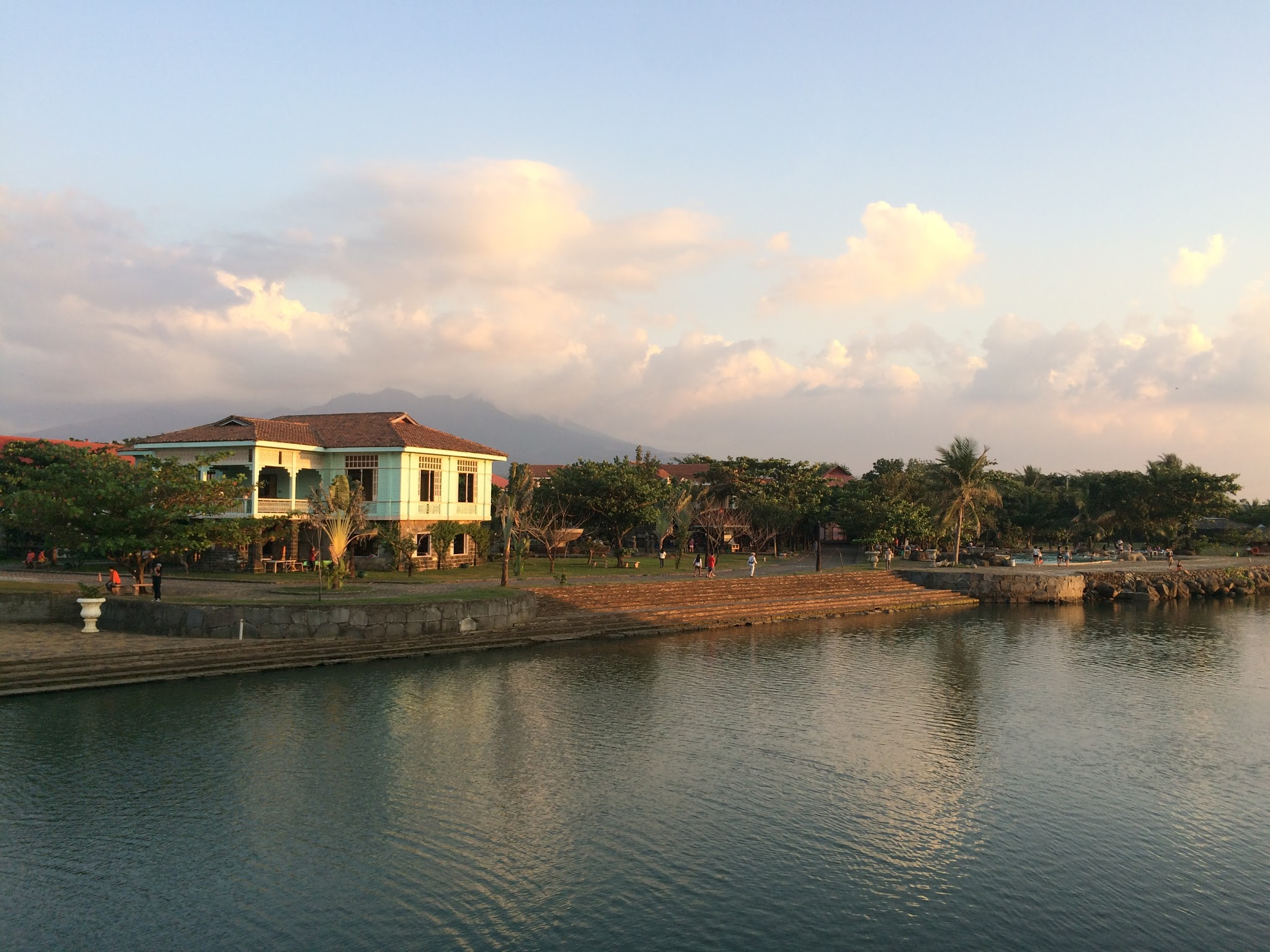 Scenes of Las Casas along the water. Quite the escape, right?