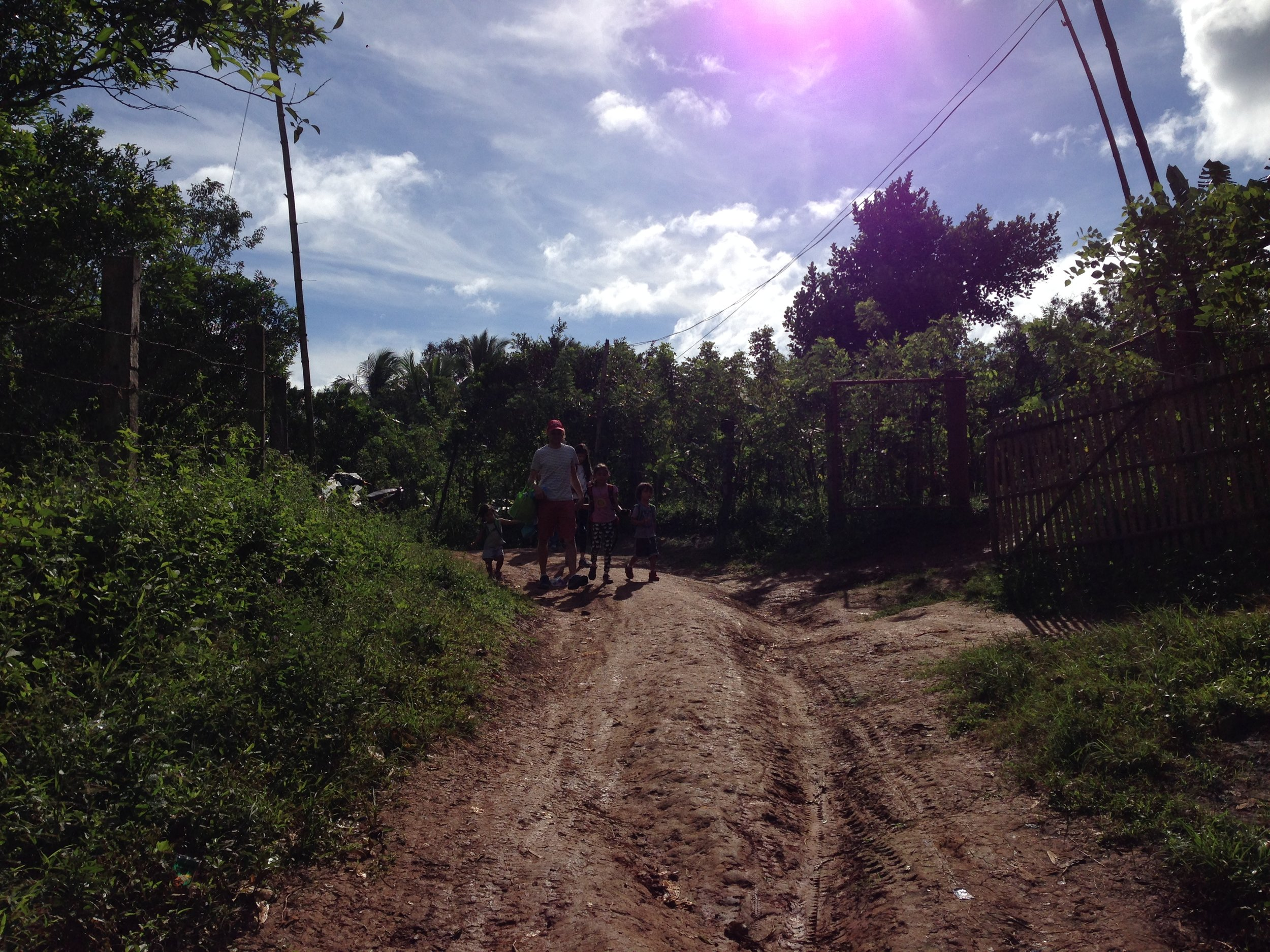 The trail to Bunsuran falls