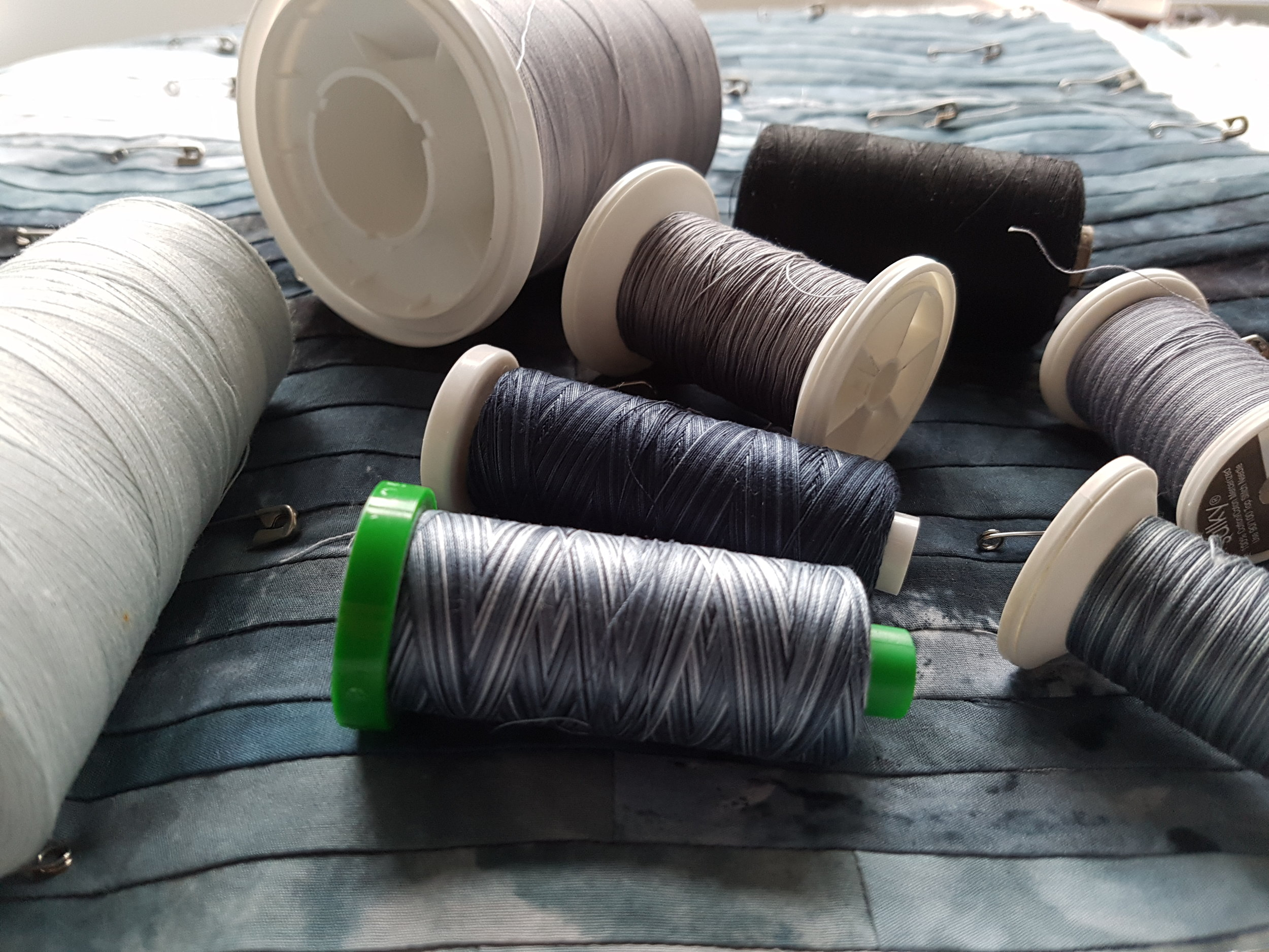 Choosing threads for the colourwash layer