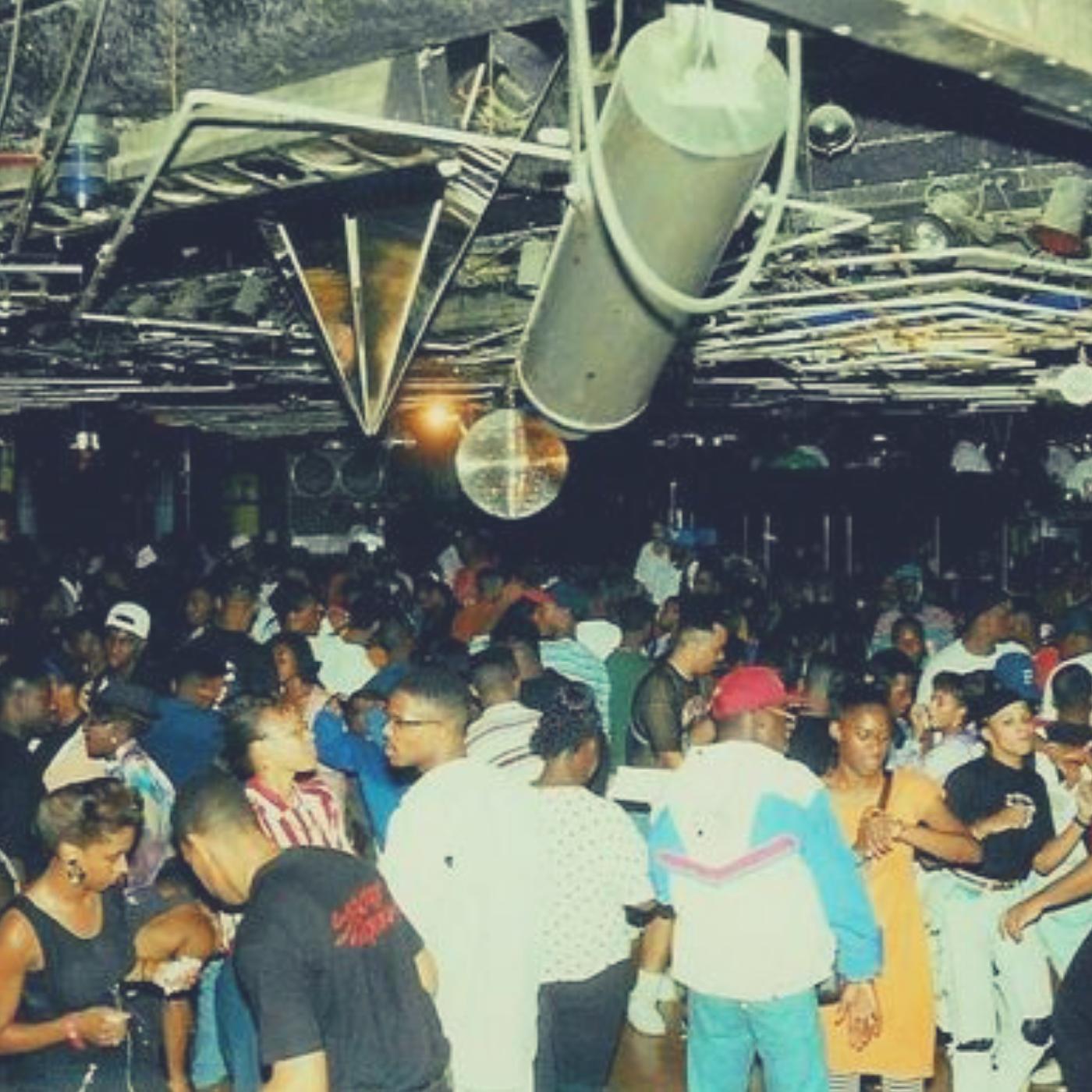 Clublife Mix Show w/ DJ Tony Vee    Mixcloud   /   IG
