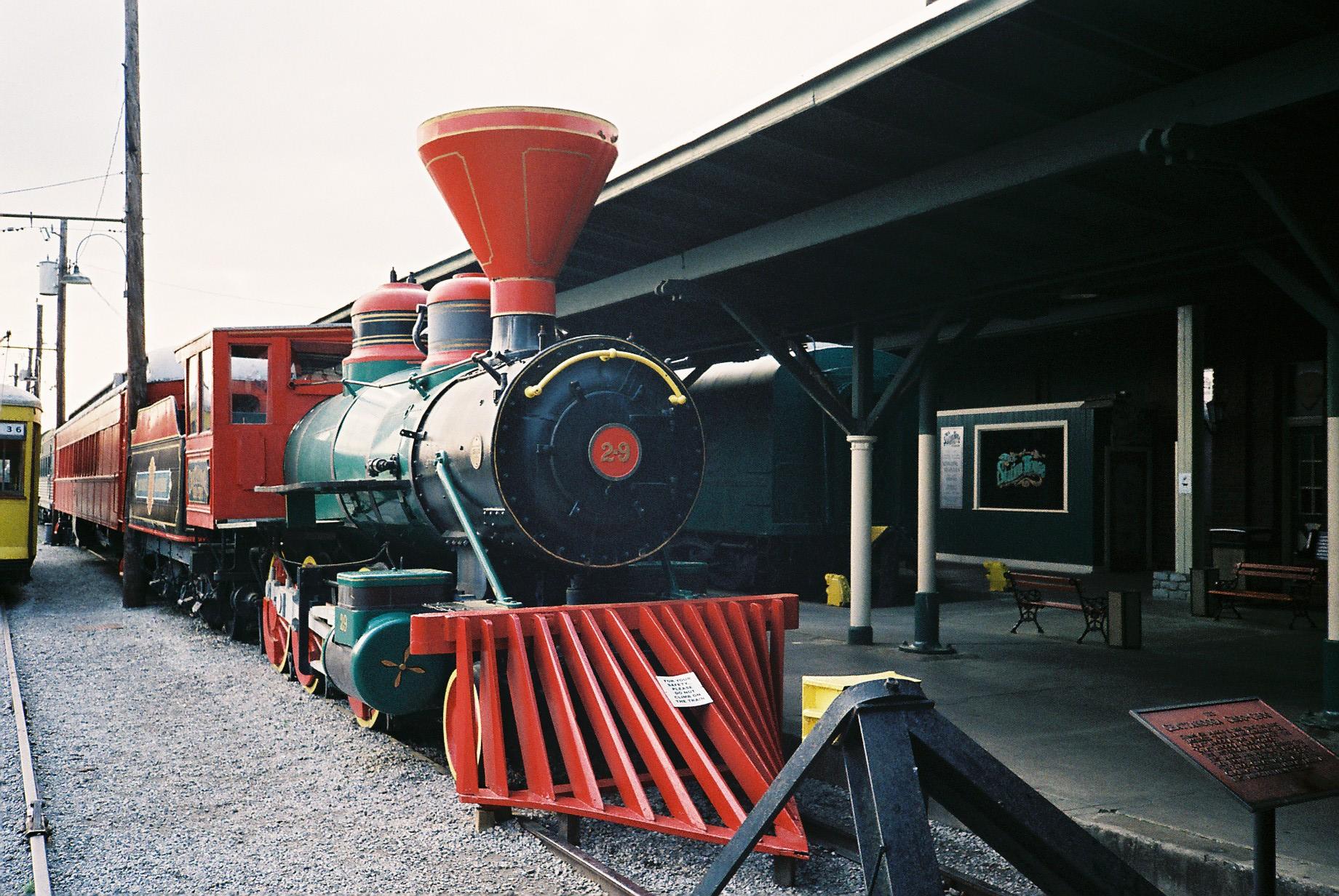 old train engine at the chattanooga choo choo hotel