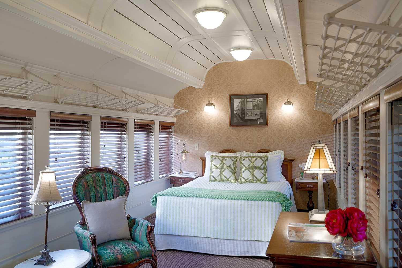 pullman train car room